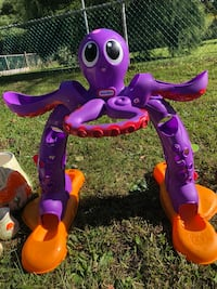 Toy needs batteries and balls Boonsboro, 21713