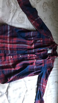 flannel tee  (small) Fresno, 93722