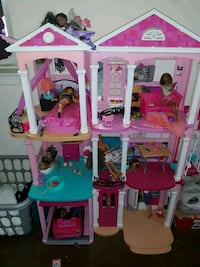 pink and white plastic doll house Baltimore, 21205