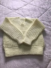 Hand Made Knitted Sweater Brampton, L6Y 4S4
