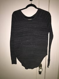 Aritzia black and grey long sleeve  Vancouver, V5M 1A4