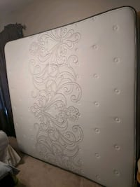 white and gray floral mattress Morris, 60450