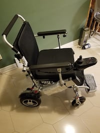 Electric powered wheelchair ( New )