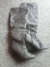 Size 10 boots Red Deer, T4R 1X4