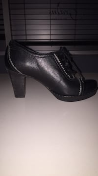 pair of black leather platform stilettos Vaughan, L4J 0A2