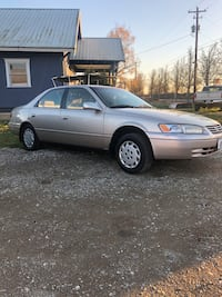 2001 Toyota Camry XLE 4AT Independence