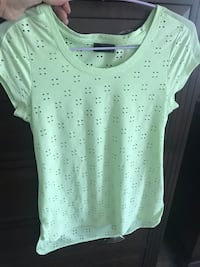 Beautiful pale green top: perfect for summer! Oakville, L6M 0V4