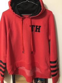 New ladies crop Tommy Hilfiger hoodie $15 Winnipeg, R2V 3G5