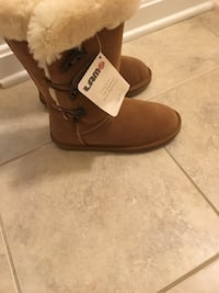 Brown lam suede wide-calf snow boots