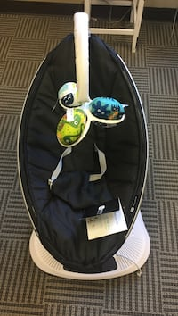 baby's black and white 4moms mamaroo Lawrenceville, 30024