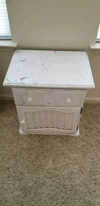 white wooden 2-drawer nightstand Washington, 20032