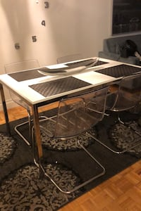 Kitchen/Dining Table with 4 chairs Toronto, M5B 2E8