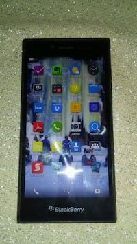 Blackberry Leaf in Great Condition for sale Toronto, M9P 1B2
