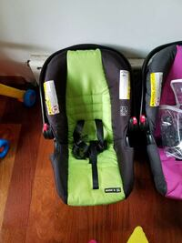 black and green car seat carrier Egg Harbor Township, 08234