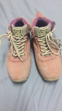 Pair of pink leather work boots 538 km