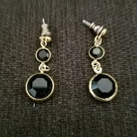 Black and gold circle earrings Los Angeles, 90028