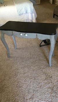 black and gray wooden side table Bakersfield, 93312