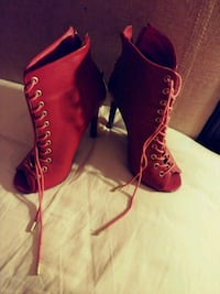 Red heels size 6 Dallas, 75212