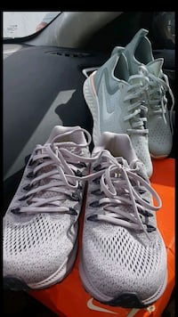 pair of gray Nike Huarache shoes with box Lake Worth
