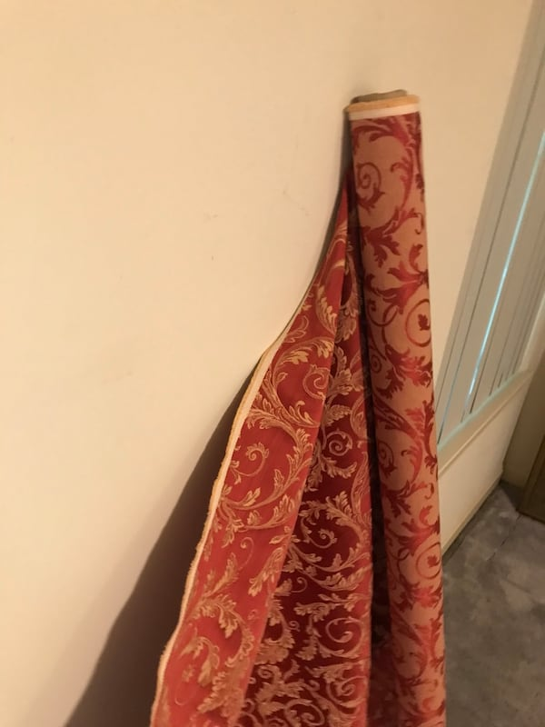 Drapes/ curtains and extra fabric 2175c72f-0741-4c11-8445-eb1fcb9acf06