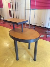 Brown and black wooden 2-tier table Oak Park, 48237