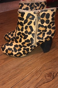 Real leather lord & Taylor  Booties Toronto, M6A 2T9