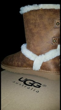 New UGG Boots Size 7 Catonsville, 21228