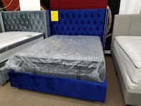 Blue velvet queen size platform bed frame in box  47 km