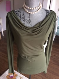 Brand New Women's Army long-sleeved Top