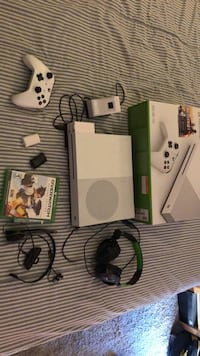White xbox one console with controller and game cases Tustin, 92782