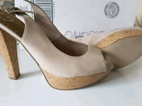 Talon haut by GUESS. Size 9 1/2 (news). Montréal, H2E 2R5