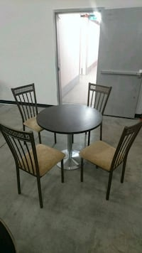 Like new 4 chairs + round table ( $150 ONLY)  Mississauga, L5B 0G4