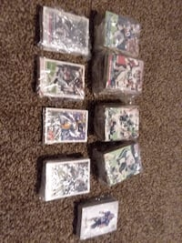 Lot of over 600 football cards