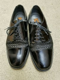 pair of black leather dress shoes California, 91306