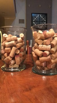 Set of decorative vases filled with wine corks Herndon, 20170