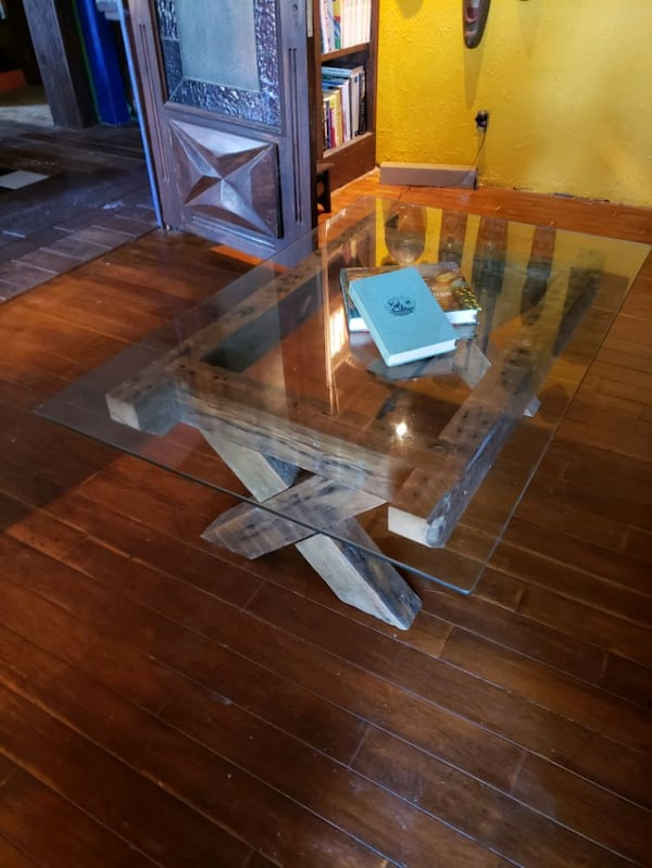 Reclaimed lumber and glass coffee table aaf89fad-1a9d-49cd-8b1a-88c6310d88ca
