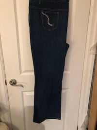 Size 4x new jeans , and free tops Toronto, M3M 1W4