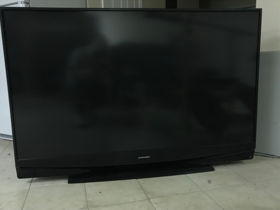 Mitsubishi Tv 65 Inch Works Fine And Has Sounds Just Has A Minor Screen  Crack That