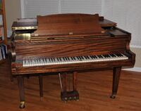 Piano shell is in good condition but it will need to be restrung. Make offer. Lake Zurich, 60047