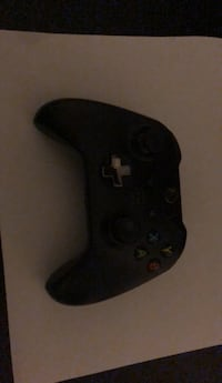 Black Xbox one game controler Glenn Dale, 20769