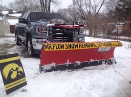 ❄️DSM METRO ❄️Snow Plowing&Blowing $40 and up ❄️Commercial&Residential