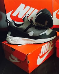 Brand New Nike Huraches, Size 11 SELLING CHEAP NEED GONE
