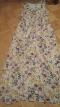 white and pink floral sleeveless dress Montréal, H3T 1Y4