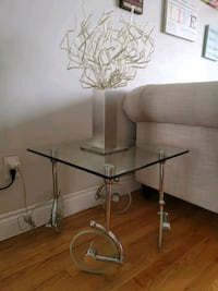 Glass side table Mobilia