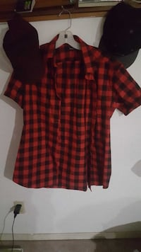 Short sleeve red and black shirt  Port Coquitlam, V3C 5C4