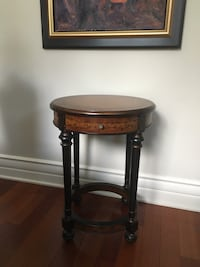 Bombay accent table / Table d'appoint Bombay  779 km