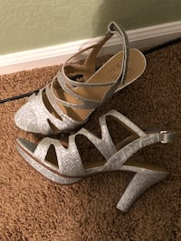 Pair of gray open-toe ankle strap heels Aurora, 80012