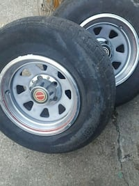 gray 5-spoke car wheel with tire Chicago, 60632