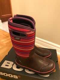 Girl's BOGS boots size 5 Vaughan, L4H 2S8