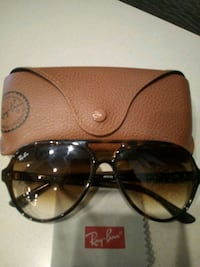 Ray-Ban sunglasses tortoise and black(Price Negotiable)